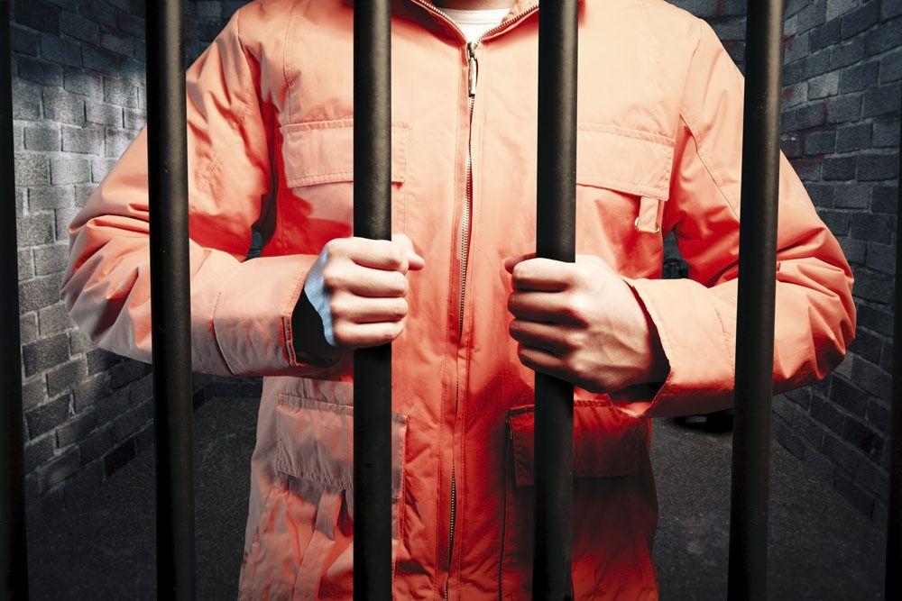 罪犯刑满释放,监狱放人,是当天放还是提前一天放